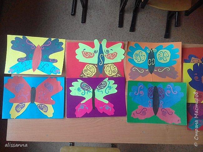Доброе время суток...жители Страны...)))))))) вот такие бабочки у нас  получились...)))))))) верхняя часть-это ладошка в растопырку....а нижняя часть- ладошка...в которой пальчики сжаты...))) фото 1