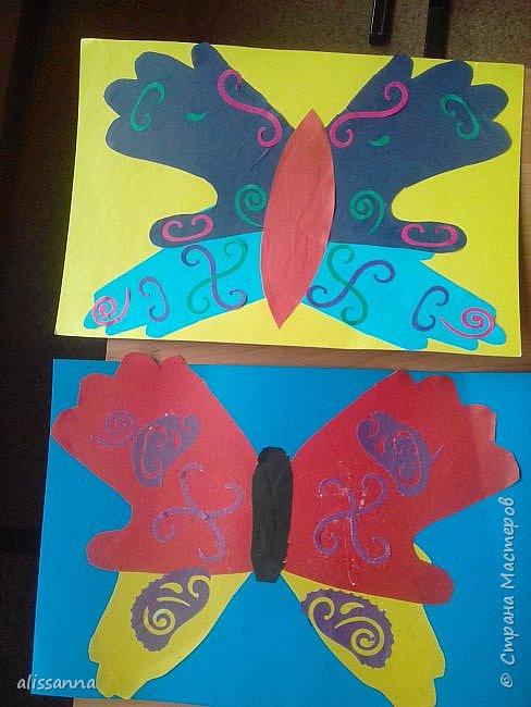 Доброе время суток...жители Страны...)))))))) вот такие бабочки у нас  получились...)))))))) верхняя часть-это ладошка в растопырку....а нижняя часть- ладошка...в которой пальчики сжаты...))) фото 6