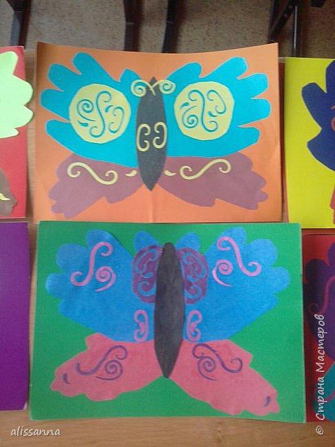 Доброе время суток...жители Страны...)))))))) вот такие бабочки у нас  получились...)))))))) верхняя часть-это ладошка в растопырку....а нижняя часть- ладошка...в которой пальчики сжаты...))) фото 8