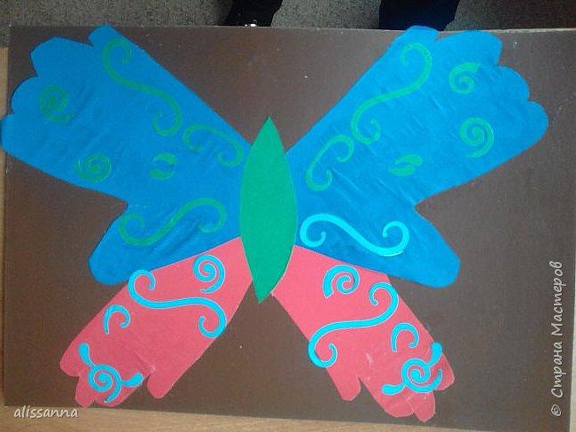 Доброе время суток...жители Страны...)))))))) вот такие бабочки у нас  получились...)))))))) верхняя часть-это ладошка в растопырку....а нижняя часть- ладошка...в которой пальчики сжаты...))) фото 10