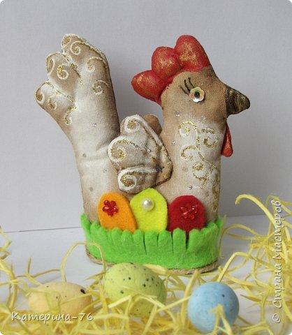 Доброго дня всем Мастерам! Скоро Светлая Пасха! Будем ходить в гости к друзьям и родственникам, будем христосоваться и дарить крашенные яички. Хочу предложить Вам оригинальную упаковку для пасхального яйца.  фото 6