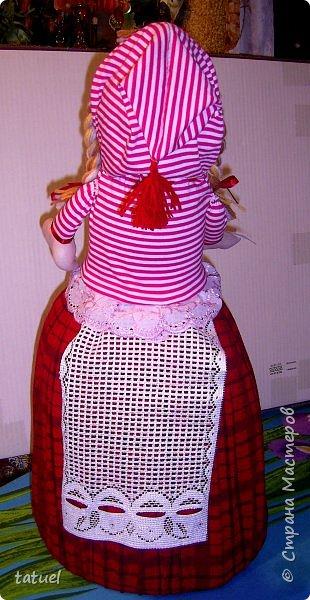 Всем привет и с наступающим Днем Великой Пасхи!  Сегодня подборка крупных кукл, которые  в себе должны что-то прятать или накрывать. А если попроще- то кукла на чайник и кукла-бар. И вот собралась потихоньку такая группа молодежи. фото 4