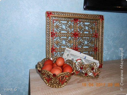 Дорогие друзья поздравляю всех со светлым праздником ПАСХИ!!!!! Желаю всем счастья, здоровья, весеннего настроения.  Доделала к блюду и подносу -  салфетницу и  конфетницу: фото 8