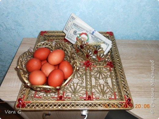 Дорогие друзья поздравляю всех со светлым праздником ПАСХИ!!!!! Желаю всем счастья, здоровья, весеннего настроения.  Доделала к блюду и подносу -  салфетницу и  конфетницу: фото 1