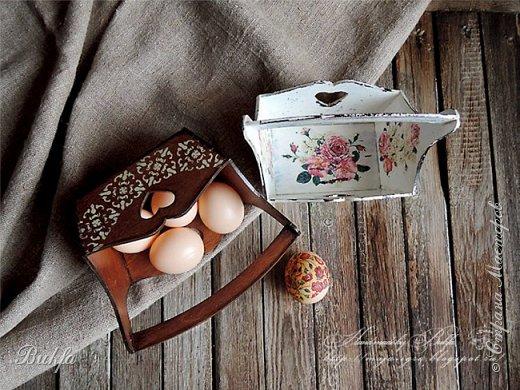 Добрый день! Всех с праздником! Сегодня решила показать вам новые и чистые))) пасхальные корзиночки. Фоток много, потому что, во-первых, их две, а во-вторых, понравились фото, которые сделал муж.