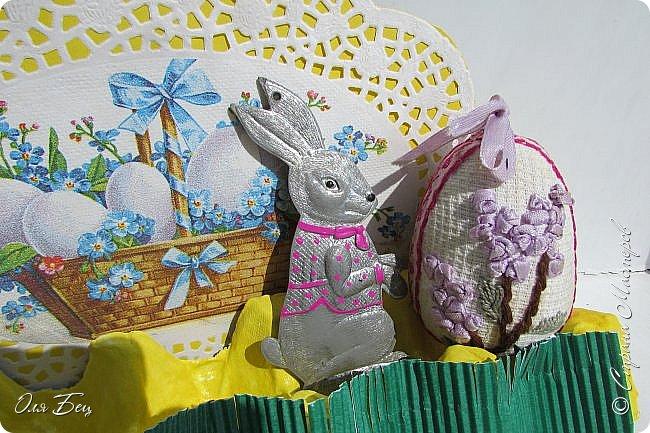 С Праздником Светлой Пасхи всех жителей Страны Мастеров! Вот такие композиции из лотков для яиц мы смастерили с учениками в классе:) фото 7