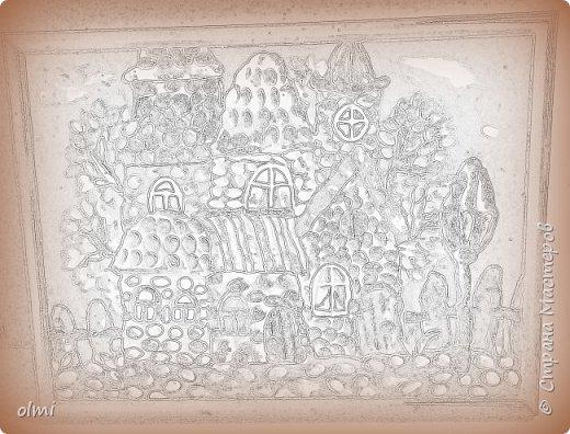 """Здравствуйте! Любовь к пластилину - не случайно я назвала так эту запись. Мое увлечение поделками началось именно с пластилина. Когда Мише исполнилось 2 года, ему дали пластилин. Я стала ему показывать, как лепить фигурки, и ... увлеклась. С тех пор много воды утекло, много разных материалов перепробовано, но к пластилину возвращаюсь периодически. Картинки на первых фото я делала """"под настроение"""" года полтора назад. Сфотографировать нашла время только сейчас.  фото 3"""