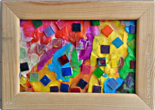 """Здравствуйте! Любовь к пластилину - не случайно я назвала так эту запись. Мое увлечение поделками началось именно с пластилина. Когда Мише исполнилось 2 года, ему дали пластилин. Я стала ему показывать, как лепить фигурки, и ... увлеклась. С тех пор много воды утекло, много разных материалов перепробовано, но к пластилину возвращаюсь периодически. Картинки на первых фото я делала """"под настроение"""" года полтора назад. Сфотографировать нашла время только сейчас.  фото 32"""