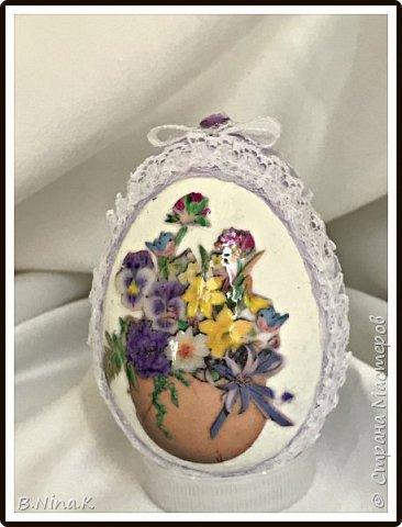 Добрый день всем жителям Страны Мастеров. Закончила подготовку к Пасхе.  Яйца пластиковые, акриловая краска, лак, распечатка, кружево. фото 1