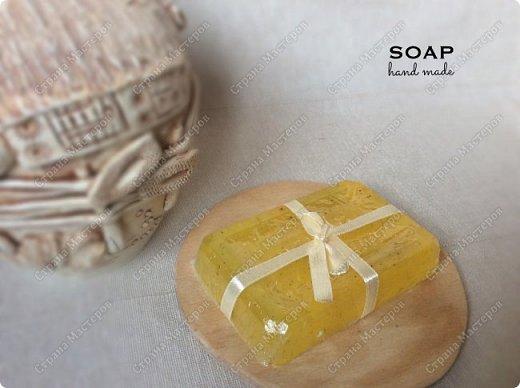 Мыло из мыльной основы.  С облепиховым маслом, маслом миндаля и отдушкой орхидея.  фото 2