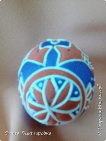 Праздники прошли, сувениры радуют своих хозяев.  Яйцо с изображенным на нем дубовым листочком было подарено хозяину дома, поскольку дубовые листья и желуди являются символом мужского начала. фото 8