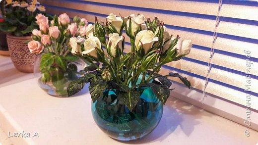 """Материал: холодный фарфор,подкрашены""""маслом"""", в вазе и на листьях -имитатор воды фото 5"""