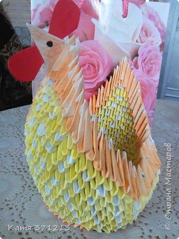 Доброго дня! Поздравляю всех с прошедшей Пасхой.Из модульного оригами я сделала курочку для моей бабушки. Делала долго,но результатом довольна. МКhttp://stranamasterov.ru/node/176705 фото 1