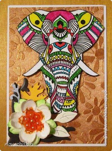 3 этап – Индия и обязательная деталь слоник, который в Индии считается священным животным, олицетворяя мудрость, благоразумие и силу. Нечего кроме распечатки в голову не пришло, но так как у меня нет дома принтера, а на работе только черно-белый – получились вот такие раскрашенные слоники. Ну и попыталась изобразить национальный цветок Индии лотос – этот священный цветок занимает уникальное место в искусстве и мифологии древней Индии. С незапамятных времен он считается счастливым символом индийской культуры.   фото 5