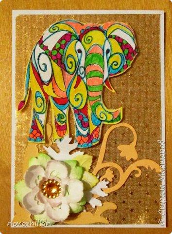 3 этап – Индия и обязательная деталь слоник, который в Индии считается священным животным, олицетворяя мудрость, благоразумие и силу. Нечего кроме распечатки в голову не пришло, но так как у меня нет дома принтера, а на работе только черно-белый – получились вот такие раскрашенные слоники. Ну и попыталась изобразить национальный цветок Индии лотос – этот священный цветок занимает уникальное место в искусстве и мифологии древней Индии. С незапамятных времен он считается счастливым символом индийской культуры.   фото 6