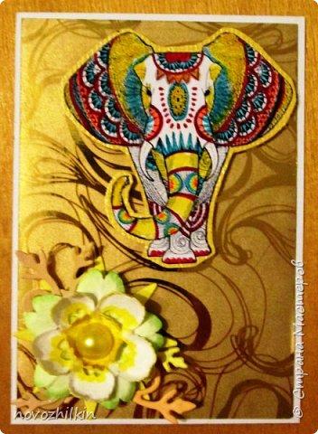3 этап – Индия и обязательная деталь слоник, который в Индии считается священным животным, олицетворяя мудрость, благоразумие и силу. Нечего кроме распечатки в голову не пришло, но так как у меня нет дома принтера, а на работе только черно-белый – получились вот такие раскрашенные слоники. Ну и попыталась изобразить национальный цветок Индии лотос – этот священный цветок занимает уникальное место в искусстве и мифологии древней Индии. С незапамятных времен он считается счастливым символом индийской культуры.   фото 7