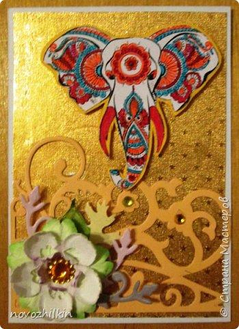 3 этап – Индия и обязательная деталь слоник, который в Индии считается священным животным, олицетворяя мудрость, благоразумие и силу. Нечего кроме распечатки в голову не пришло, но так как у меня нет дома принтера, а на работе только черно-белый – получились вот такие раскрашенные слоники. Ну и попыталась изобразить национальный цветок Индии лотос – этот священный цветок занимает уникальное место в искусстве и мифологии древней Индии. С незапамятных времен он считается счастливым символом индийской культуры.   фото 8