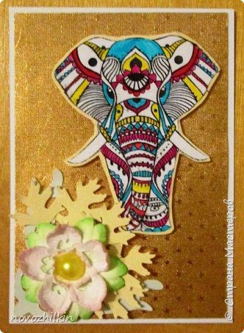 3 этап – Индия и обязательная деталь слоник, который в Индии считается священным животным, олицетворяя мудрость, благоразумие и силу. Нечего кроме распечатки в голову не пришло, но так как у меня нет дома принтера, а на работе только черно-белый – получились вот такие раскрашенные слоники. Ну и попыталась изобразить национальный цветок Индии лотос – этот священный цветок занимает уникальное место в искусстве и мифологии древней Индии. С незапамятных времен он считается счастливым символом индийской культуры.   фото 9