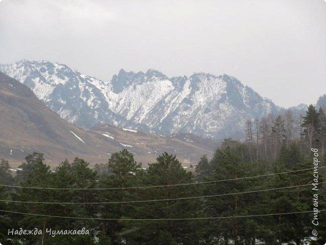 Пару недель назад мы снова решили съездить за Чемал. Катунская долина - живая иллюстрация алтайских легенд, ведь если внимательно всматриваться в горы, можно найти множество лиц. По легенде после потопа земля не смогла выдержать тяжести алтайских богатырей и они превратились в горы.   фото 20