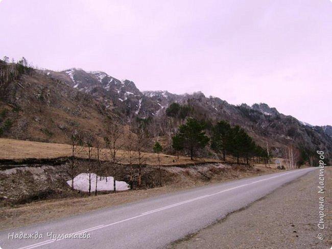 Пару недель назад мы снова решили съездить за Чемал. Катунская долина - живая иллюстрация алтайских легенд, ведь если внимательно всматриваться в горы, можно найти множество лиц. По легенде после потопа земля не смогла выдержать тяжести алтайских богатырей и они превратились в горы.   фото 3