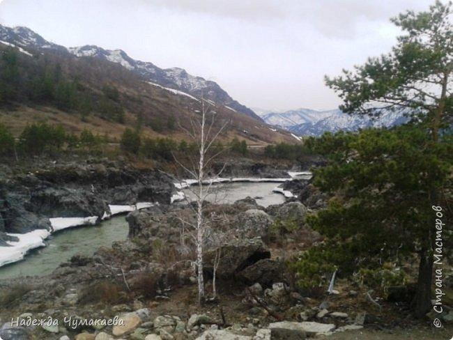 Пару недель назад мы снова решили съездить за Чемал. Катунская долина - живая иллюстрация алтайских легенд, ведь если внимательно всматриваться в горы, можно найти множество лиц. По легенде после потопа земля не смогла выдержать тяжести алтайских богатырей и они превратились в горы.   фото 31