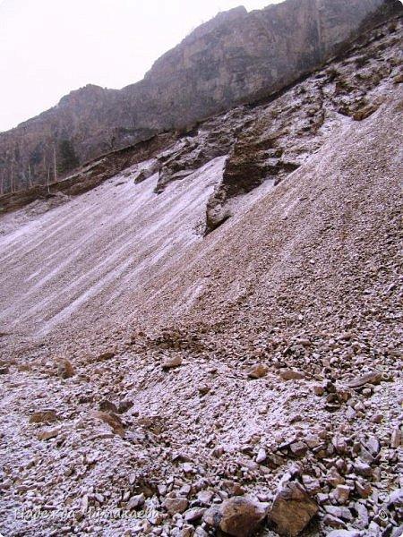 Пару недель назад мы снова решили съездить за Чемал. Катунская долина - живая иллюстрация алтайских легенд, ведь если внимательно всматриваться в горы, можно найти множество лиц. По легенде после потопа земля не смогла выдержать тяжести алтайских богатырей и они превратились в горы.   фото 34