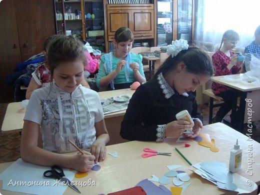 Традиционный пасхальный концерт сопровождается выставкой детских работ.  фото 20