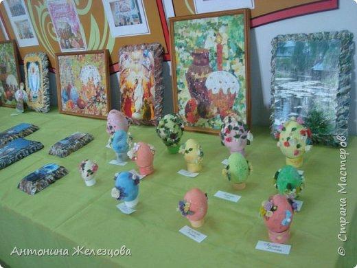 Традиционный пасхальный концерт сопровождается выставкой детских работ.  фото 2