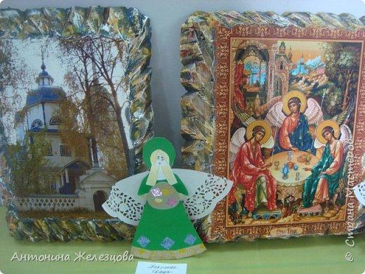 Традиционный пасхальный концерт сопровождается выставкой детских работ.  фото 8
