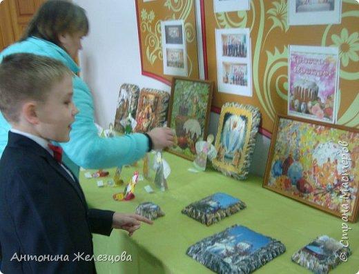 Традиционный пасхальный концерт сопровождается выставкой детских работ.  фото 32