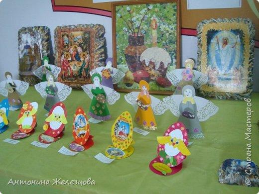 Традиционный пасхальный концерт сопровождается выставкой детских работ.  фото 3