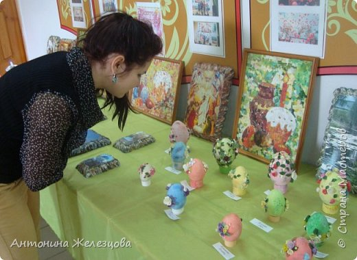Традиционный пасхальный концерт сопровождается выставкой детских работ.  фото 34