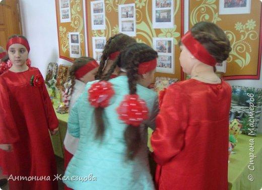 Традиционный пасхальный концерт сопровождается выставкой детских работ.  фото 35