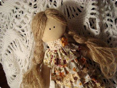 Добрый вечер!!! Раешила я вам показать немного своих новых работ... а именно кукол и игрушки... Такую куклу-снежку шила первый раз... Первая моя куколка с шариком в голове... http://stranamasterov.ru/node/1085481?t=1022 ... здесь голова набивается без шарика.... скажу трудновато мне было сделать плотную и круглую голову...  фото 1