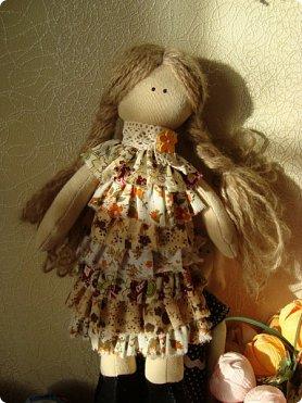 Добрый вечер!!! Раешила я вам показать немного своих новых работ... а именно кукол и игрушки... Такую куклу-снежку шила первый раз... Первая моя куколка с шариком в голове... http://stranamasterov.ru/node/1085481?t=1022 ... здесь голова набивается без шарика.... скажу трудновато мне было сделать плотную и круглую голову...  фото 2