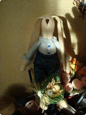 Добрый вечер!!! Раешила я вам показать немного своих новых работ... а именно кукол и игрушки... Такую куклу-снежку шила первый раз... Первая моя куколка с шариком в голове... http://stranamasterov.ru/node/1085481?t=1022 ... здесь голова набивается без шарика.... скажу трудновато мне было сделать плотную и круглую голову...  фото 16