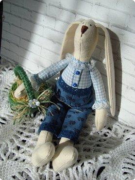 Добрый вечер!!! Раешила я вам показать немного своих новых работ... а именно кукол и игрушки... Такую куклу-снежку шила первый раз... Первая моя куколка с шариком в голове... http://stranamasterov.ru/node/1085481?t=1022 ... здесь голова набивается без шарика.... скажу трудновато мне было сделать плотную и круглую голову...  фото 15