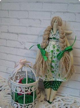 Добрый вечер!!! Раешила я вам показать немного своих новых работ... а именно кукол и игрушки... Такую куклу-снежку шила первый раз... Первая моя куколка с шариком в голове... http://stranamasterov.ru/node/1085481?t=1022 ... здесь голова набивается без шарика.... скажу трудновато мне было сделать плотную и круглую голову...  фото 7