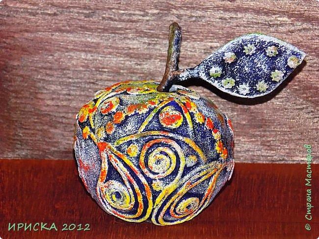 Привет всем гостям моей странички!!! С этой композицией я участвовала в 3 конкурсе в прекрасной технике пейп-арт Татьяны Сорокиной:  1-е голосование  http://stranamasterov.ru/node/1089996  , 2-е голосование http://stranamasterov.ru/node/1091433,  награждение http://stranamasterov.ru/node/1093141?c=favusers    фото 26