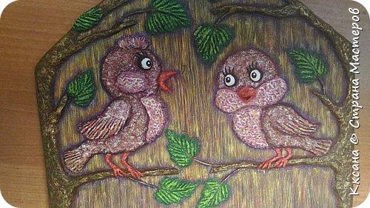 Здравствуйте!! очень нужен совет - на очередной ключнице - вот не пойму в чем дисбаланс - птички сливаются с фоном , а как что и каким цветом дополнить - не пойму , просто мука каждый раз как надо раскрашивать работу((( фото 6