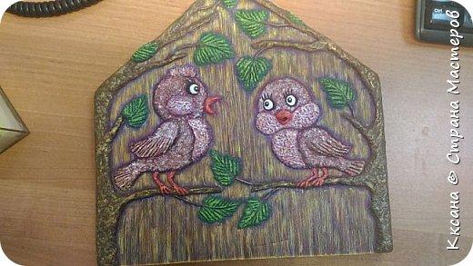 Здравствуйте!! очень нужен совет - на очередной ключнице - вот не пойму в чем дисбаланс - птички сливаются с фоном , а как что и каким цветом дополнить - не пойму , просто мука каждый раз как надо раскрашивать работу((( фото 2