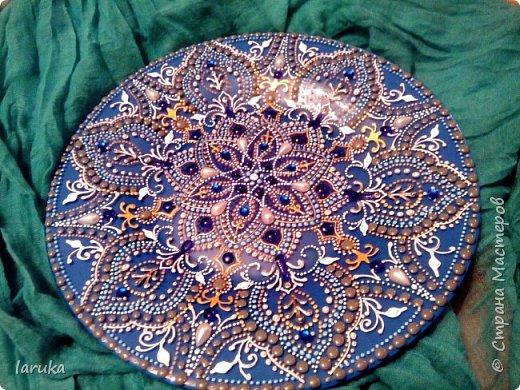 Мои новые работы. Первая работа - тарелочка, расписана акриловыми контурами, использовано несколько бусин. фото 4