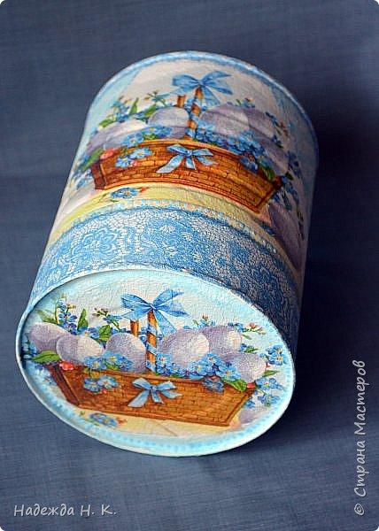 Здравствуйте, мои дорогие! С праздником вас Светлой Пасхи! Сегодня я покажу, как можно превратить баночки от детского питания в расписную тару для конфет, а так же мелких подарочков. фото 4