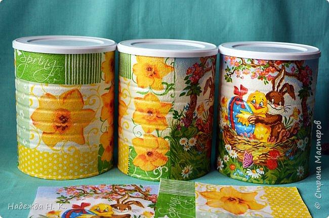 Здравствуйте, мои дорогие! С праздником вас Светлой Пасхи! Сегодня я покажу, как можно превратить баночки от детского питания в расписную тару для конфет, а так же мелких подарочков. фото 13