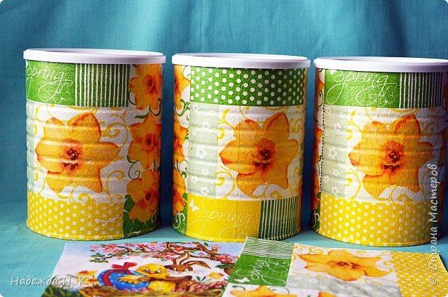 Здравствуйте, мои дорогие! С праздником вас Светлой Пасхи! Сегодня я покажу, как можно превратить баночки от детского питания в расписную тару для конфет, а так же мелких подарочков. фото 12