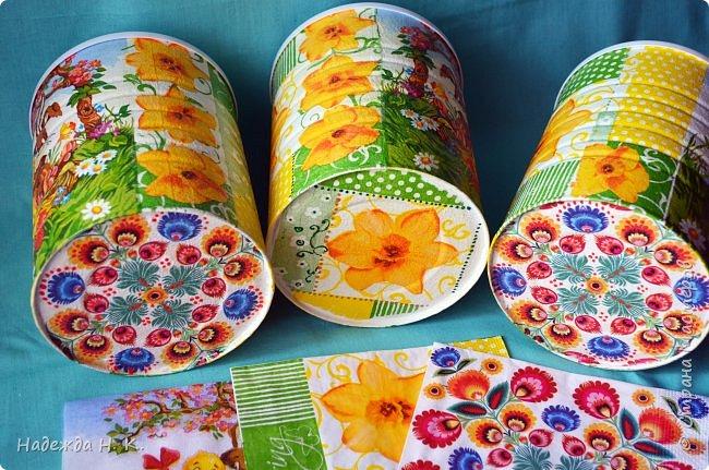 Здравствуйте, мои дорогие! С праздником вас Светлой Пасхи! Сегодня я покажу, как можно превратить баночки от детского питания в расписную тару для конфет, а так же мелких подарочков. фото 16