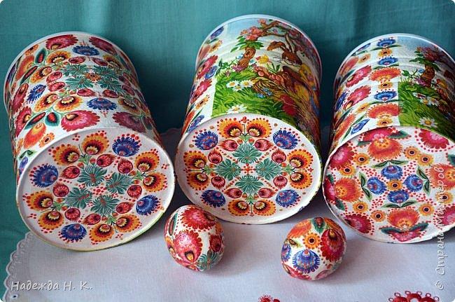 Здравствуйте, мои дорогие! С праздником вас Светлой Пасхи! Сегодня я покажу, как можно превратить баночки от детского питания в расписную тару для конфет, а так же мелких подарочков. фото 26