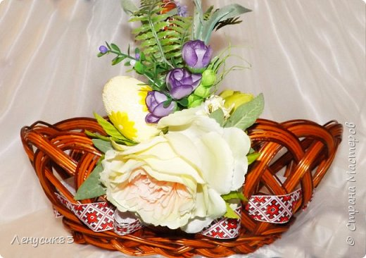 Всем привет! Сегодня покажу и похвастаюсь пасхальными приготовлениями))) В этом году очень захотелось сделать корзинку с объемными большими цветами - и вот, что у меня вышло))) фото 2