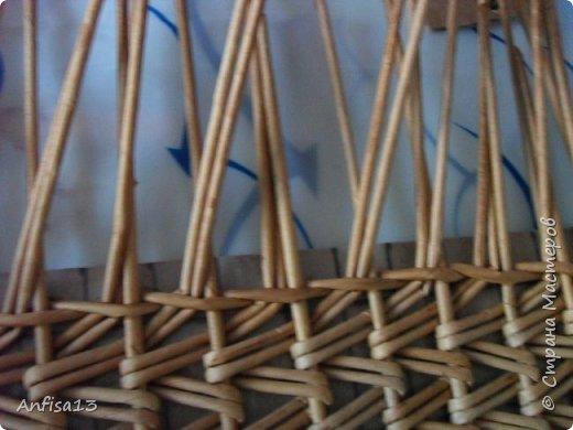 Итак, обещанный мною МК по плетению поддонов для выпечки. Или экранов….Или ажурных панелей… Или просто плоских полотен. История их создания здесь – https://stranamasterov.ru/node/1093528 Ну а для тех, кому некогда заглядывать в предыдущий пост – мне поступил заказ на плетение 6 поддонов (лотков) под выпечку, с одного края должен быть небольшой бортик- 2-2,5 см, поскольку поддоны предполагалось располагать под наклоном, бортик нужен, чтобы выпечка не съезжала с поддонов. Размеры лотков – 72 на 35 см. Цвет выбирал клиент, пожелания было одно – они не должны смотреться грубо и тяжеловесно, по возможности надо было сделать  их «воздушными» фото 16