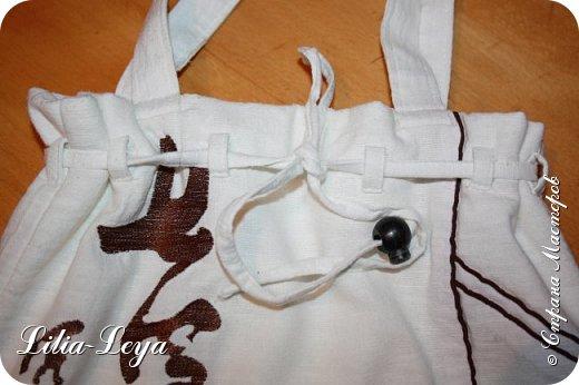 Первая моя пляжная сумка из мешковины здесь   http://stranamasterov.ru/node/1046601 Эта менее удобная: маркая, к тому же её габариты не особо позволяют положить в неё что-то лишнее. Но всё равно выручает! ) фото 4